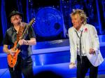 Carlos Santana joins Rod Stewart on Stage at Caesars Palace in Las Vegas