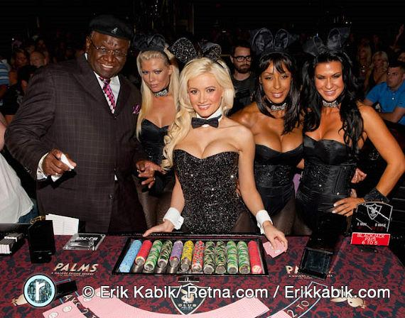 Holly Madison with George Wallace and bunny dealers at Playboy Club