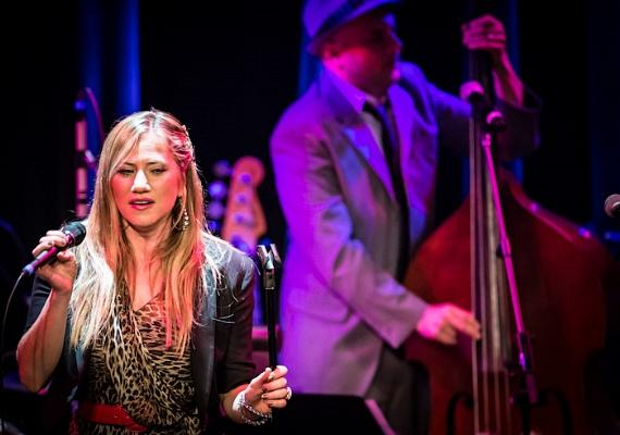 Lucy Woodward performs at Cabaret Jazz at The Smith Center for the Performing Arts