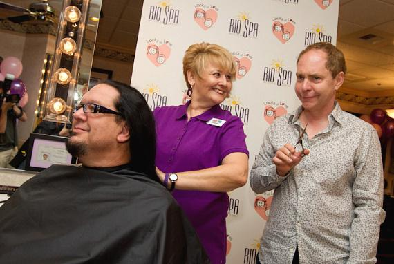 Teller gets ready to cut Penn's pony tail
