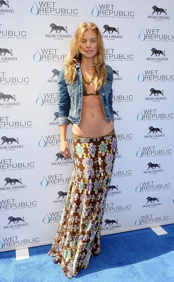 AnnaLynne at WET REPUBLIC