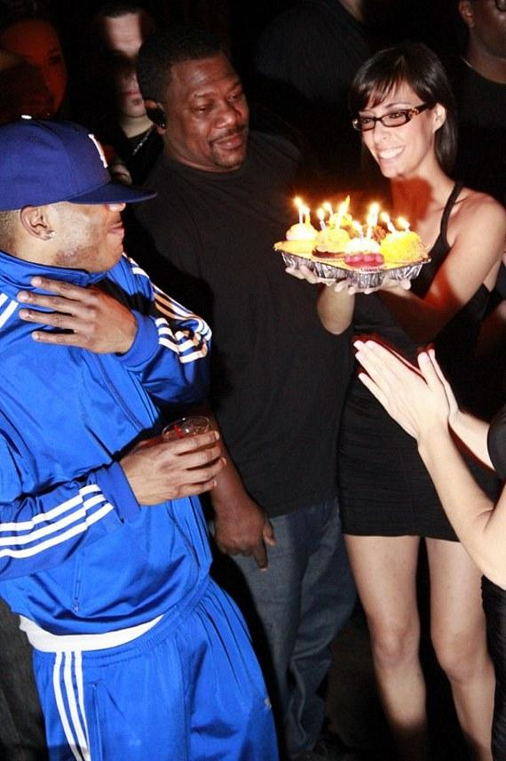 Nelly gets birthday cupcakes