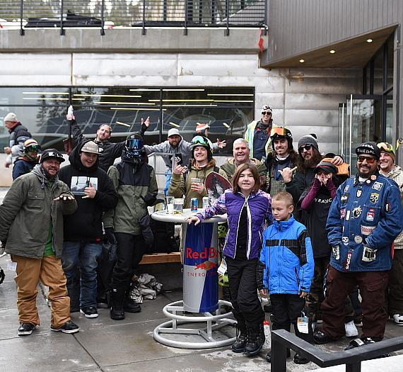 Lee Canyon Opening Draws More Than 800 Skiers/Snowboarders
