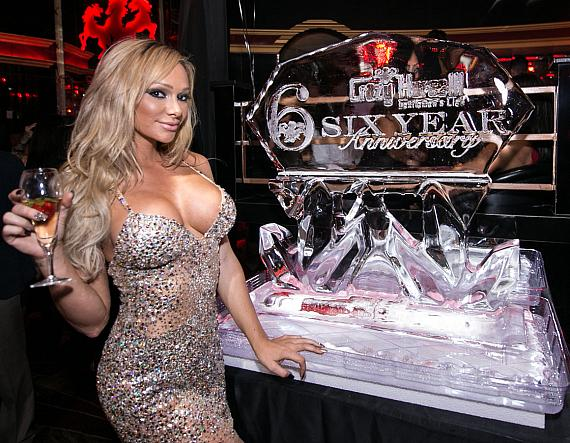 Destiny Dixon with Ice Sculpture