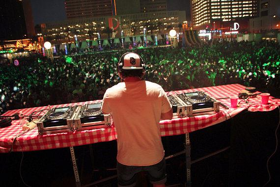 Vegas' first DirtyBird BBQ takes over the Downtown Las Vegas Events Center