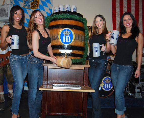 The Ladies of FANTASY: Ashton, Mariah, Soolin, and Tracey at Hofbräuhaus Las Vegas