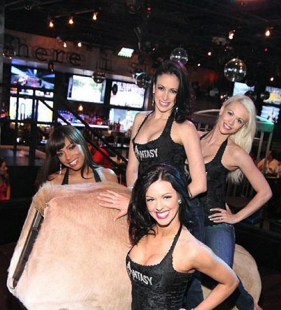 FANTASY ladies with the bull at Rockhouse