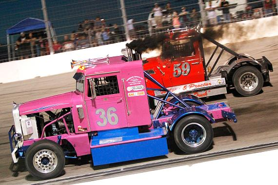 Harder outduels McMeakin in Big Rig battle at The Bullring