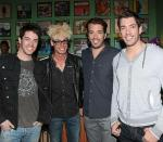 Murray with brothers Jonathan, Drew and JD Scott