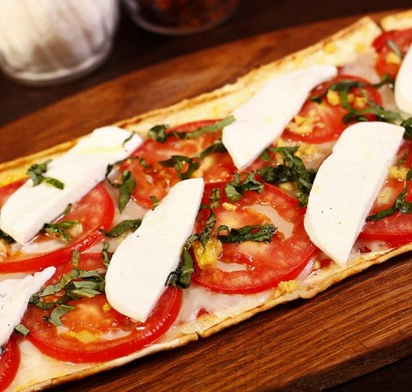 Margherita Pizza at Pizza Lounge