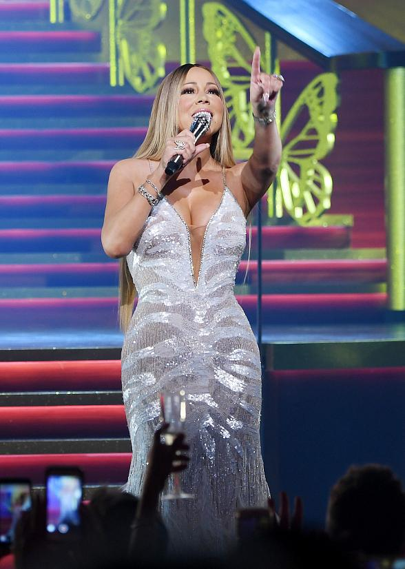 "Mariah Carey Announces Return to The Colosseum at Caesars Palace in November 2019 with ""All I Want for Christmas Is You"""