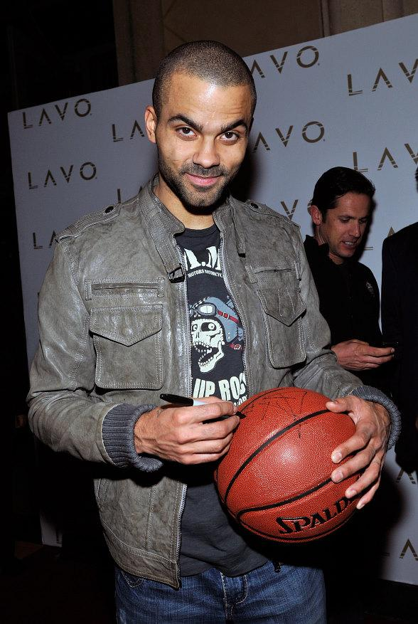 Tony Parker signs basketball at LAVO