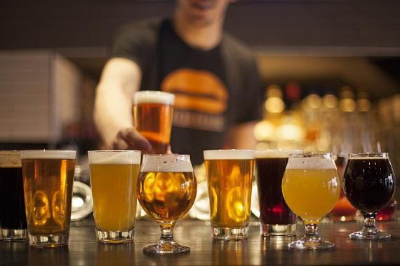 """Umami Burger, Beer Garden & Sports Book at SLS Las Vegas to Host Big Dog's Brewing Co. for """"Tap Takeover"""" in May"""