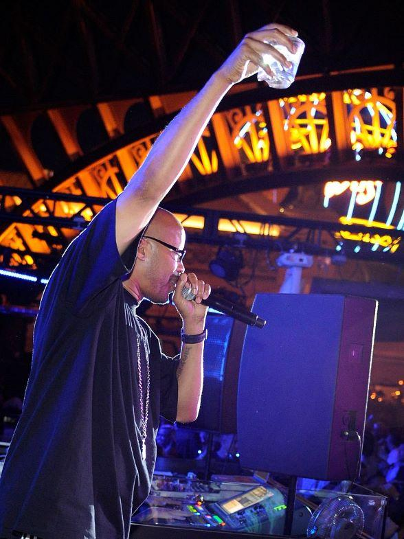 Warren G Kicks Off Memorial Day Weekend Bash with Live Performance at Chateau Nightclub