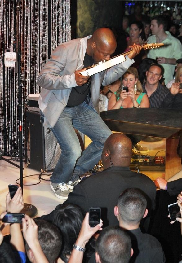 Wyclef Jean performs at HAZE Nightclub