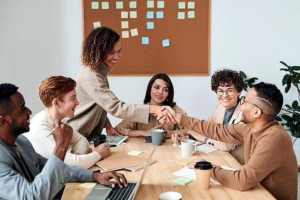 Thinking of Hiring Someone to Help With the Business? Check These 5 Tips First