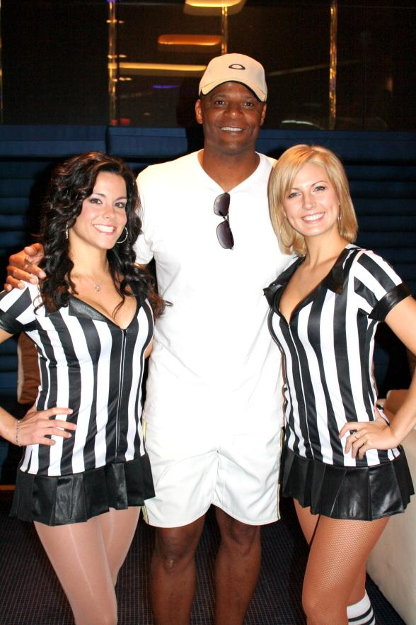Warren Moon with Sportsbook Bar & Grill cocktail servers