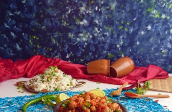 Chole Masala recipe by www.vegetariantastebuds.com