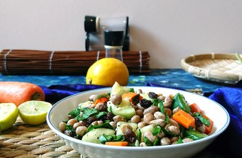 Boiled Peanut Salad Recipe by www.vegetariantastebuds.com