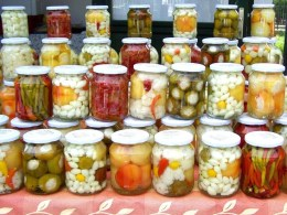 Simple Ways to Make Pickled Vegetables https://www.vegetarianzen.com