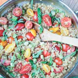 Fregola Pasta w/ Cherry Tomatoes & Basil