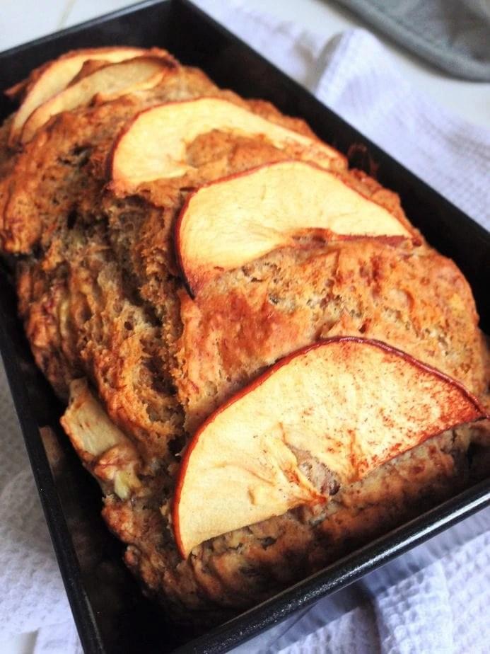 Easy Recipe: Vegan Banana Apple Bread