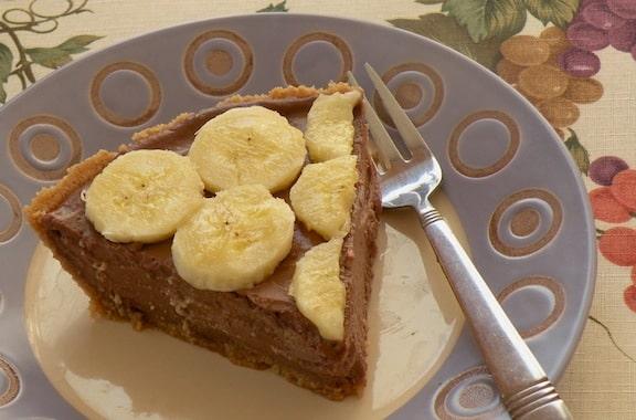 Tofu chocolate mousse banana pie