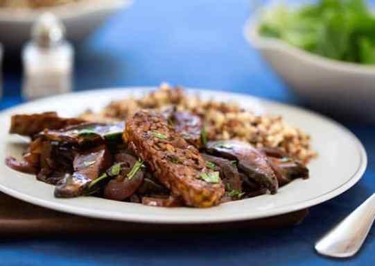 Tangy Tempeh with Portabella Mushrooms