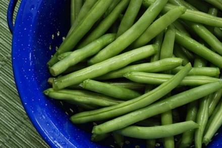 green beans in a colander