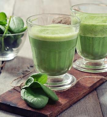 Spinach and Avocado Green Smoothie
