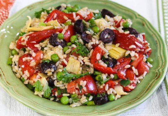 Piquant brown rice salad recipe