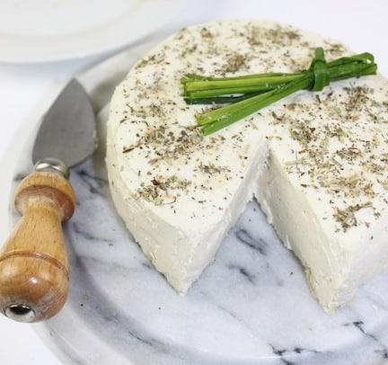 basic herbed cheese (raw and vegan)