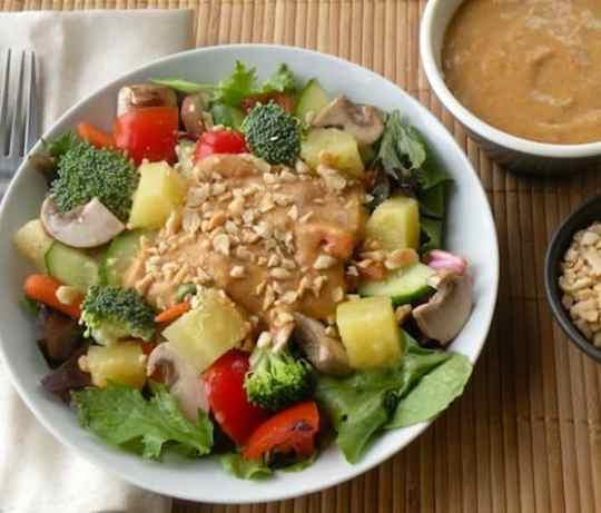 Thai tossed salad with peanut sauce