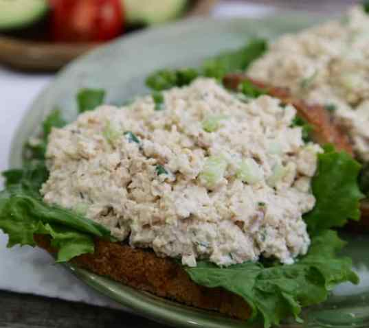 """Tofuna"" - tuna-style tofu sandwich spread recipe"