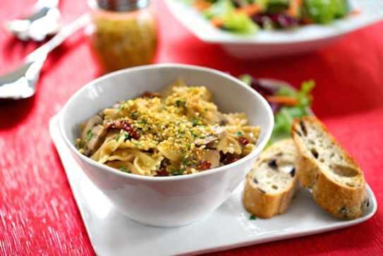 Farfalle (bow tie pasta) with mushrooms