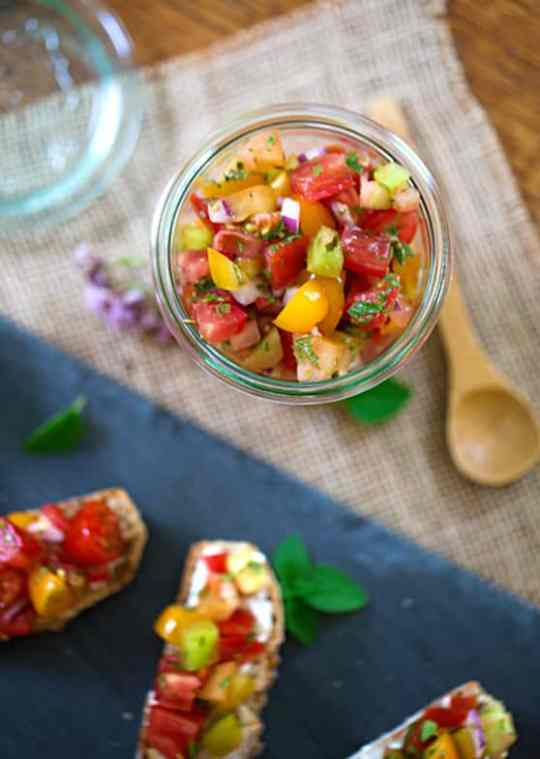 Fresh tomato relish salad