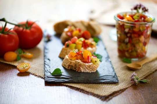Fresh summer tomato relish