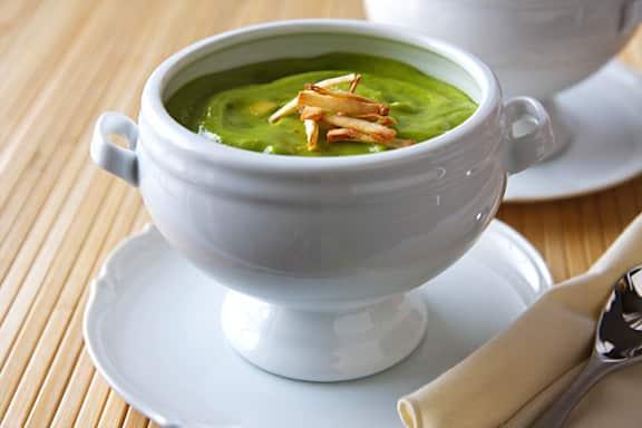 Cold Avocado and pea soup