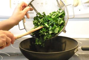 How to cook collard greens