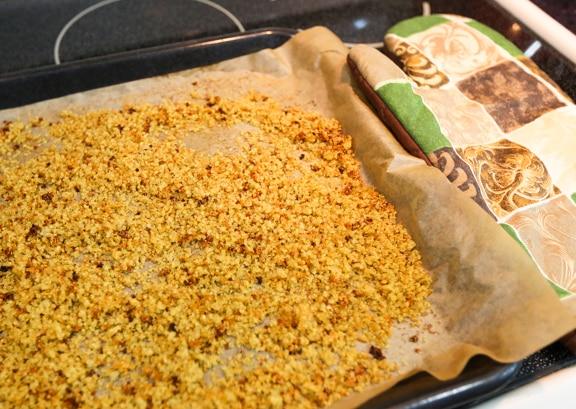 Crispy quinoa crumbs