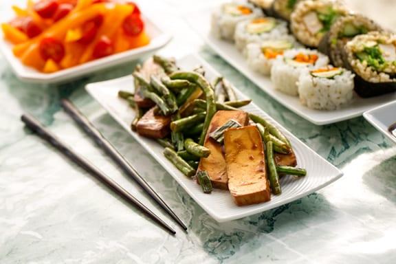 Tofu and green beans teriyaki dinner