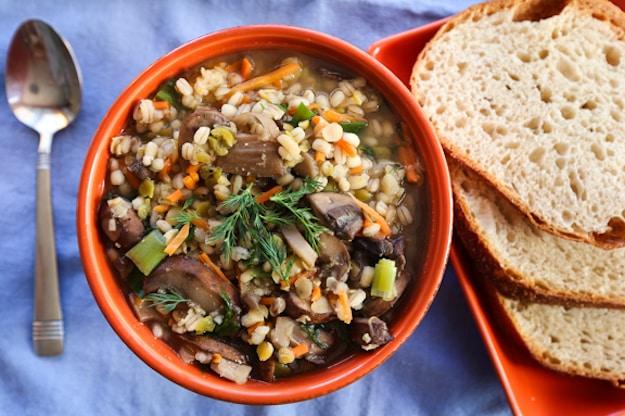 20-Minute Vegan Mushroom-Barley Soup