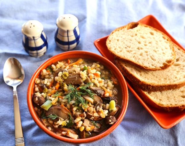 20-minute Mushroom-Barley Soup