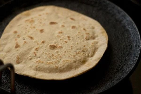 cooking aloo paratha recipe