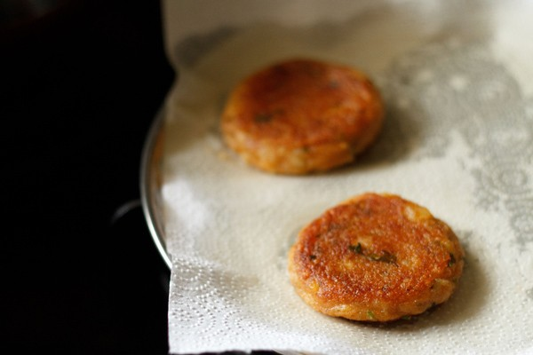 fried aloo tikkis