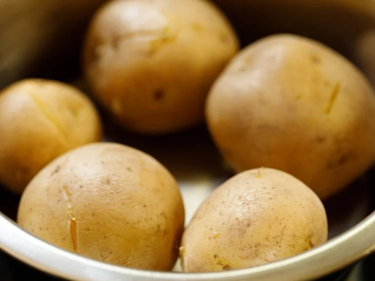 boiled potatoes drained of all the water