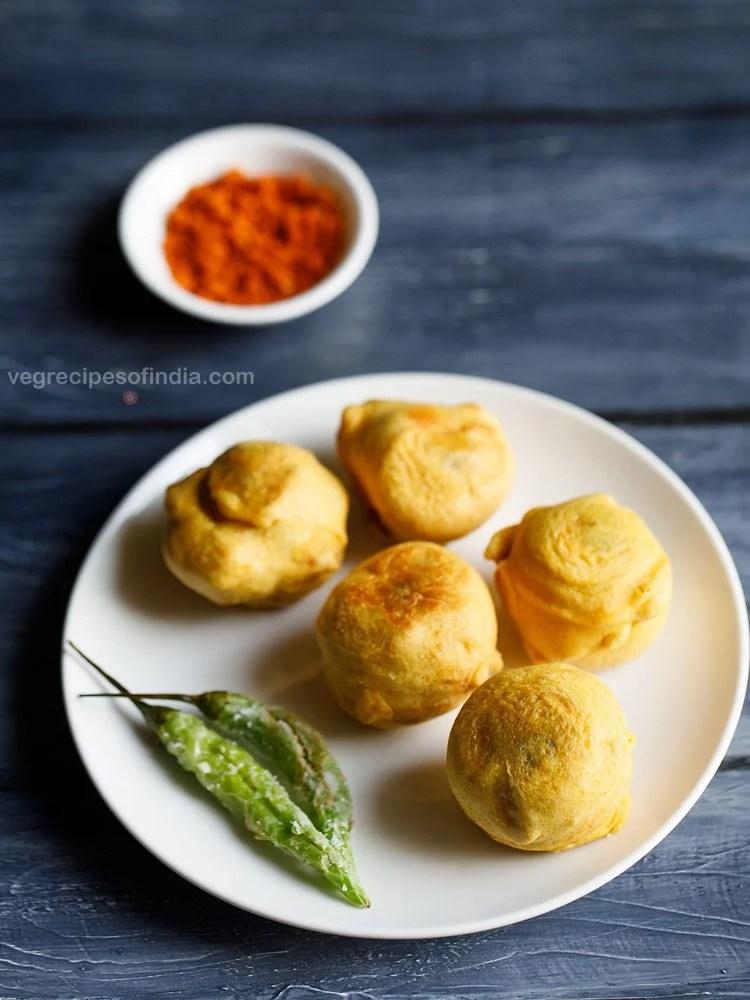 maharashtrian batata vada recipe