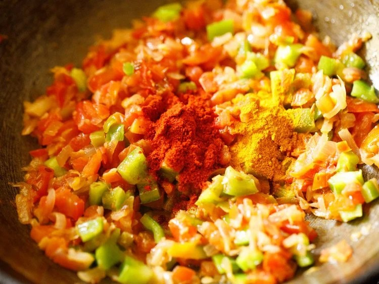 making Mumbai pav bhaji recipe