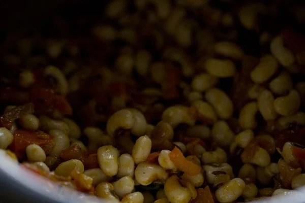 stir Punjabi lobia masala