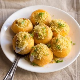 dahi puri recipe, dahi batata puri chaat recipe